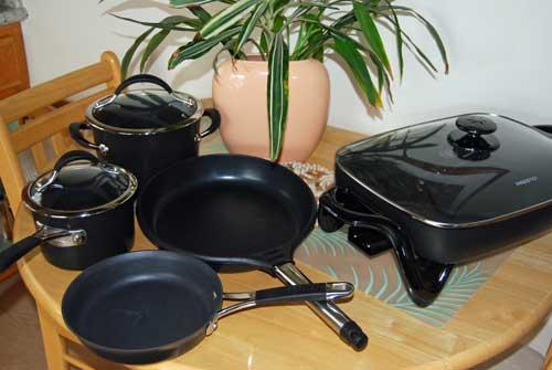 volleingerichtete Küche