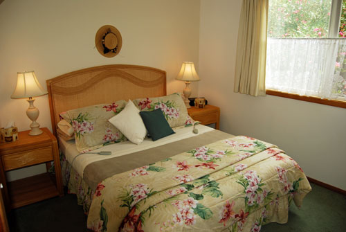 Schlafzimmer mit Select Comfort Queensize Bett